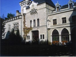 chateau-de-peyrieu